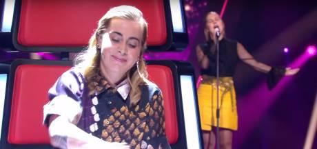 Emma (16) blaast jury The Voice omver met 'beestachtig' goede stem