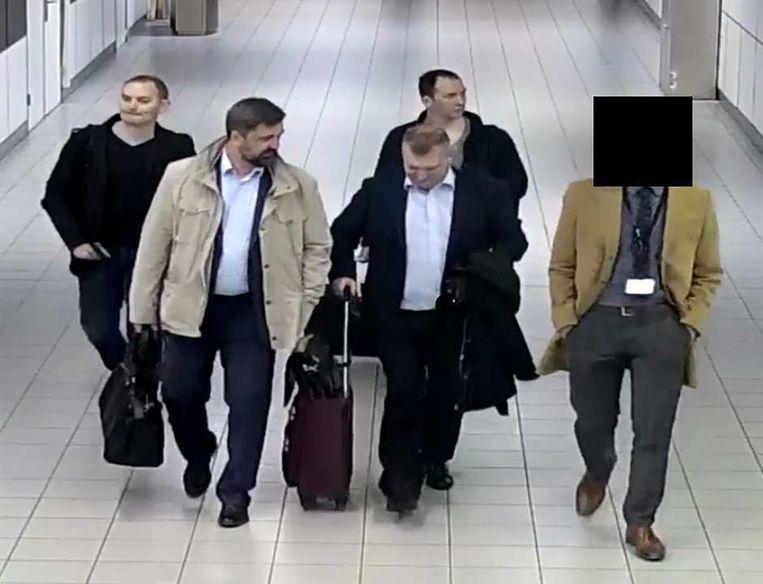 Russische spionnen op Schiphol in 2018.  Beeld Ministerie van Defensie