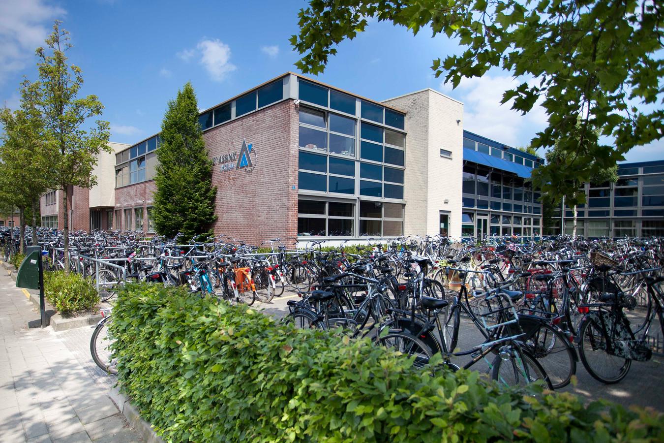 Het Assink lyceum aan de Van Brakelstraat in Haaksbergen.