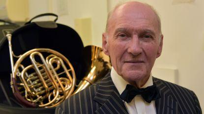 Na 57 jaar bergt Frans Buelens (82) dirigeerstokje op