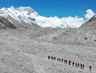 China schort expedities op Mount Everest op