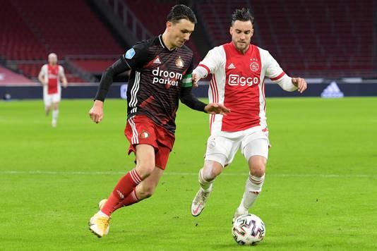 Steven Berghuis schoot in de tweede helft twee keer een halve meter naast.