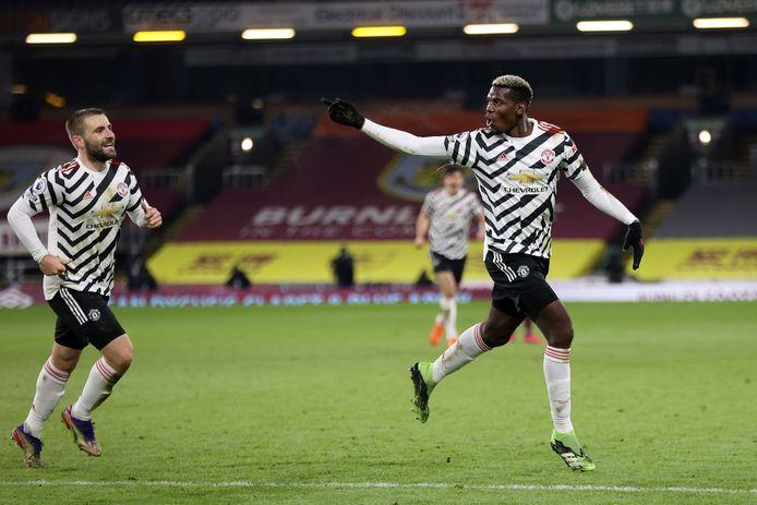 Paul Pogba viert zijn winnende goal tegen Burnley (0-1).