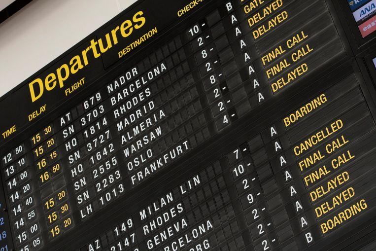 Door de spontane staking bij Swissport konden 130 vliegtuigen niet op tijd vertrekken. Beeld Photonews