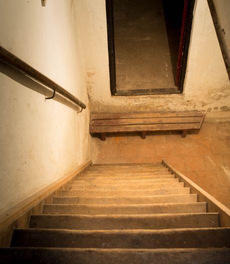 Moeder (77) sloot zoon (45) 'maandenlang' op in Weense kelder