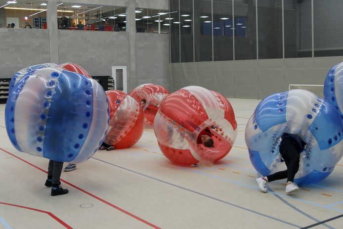 Tijdens het openingsweekend werd onder meer een spelletje Bumper Ball gespeeld.