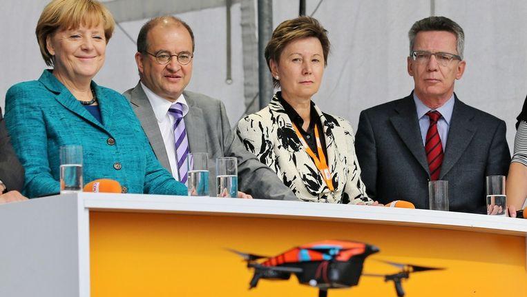De drone die zondag neerstortte tijdens de campagnebijeenkomst van Angela Merkel in Dresden. Beeld epa
