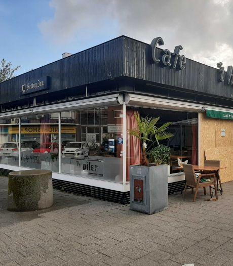 Bekend Feyenoord-café beschadigd door ontploffing: 'Dit was gewoon een aanslag'