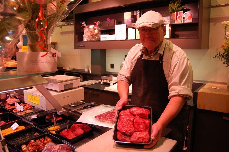 Fons Verbaenen gaat vanaf morgen met pensioen, en staat zondag voor de laatste keer in zijn slagerij Van Dun.