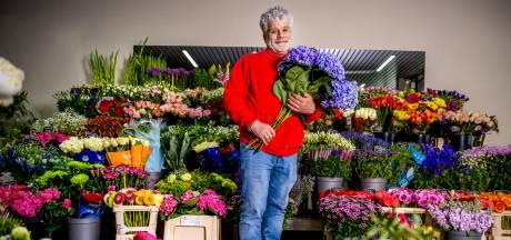 Bloemen houden van mensen. Ed ook: wekelijks doneert hij vazen vol bloemen aan het goede doel