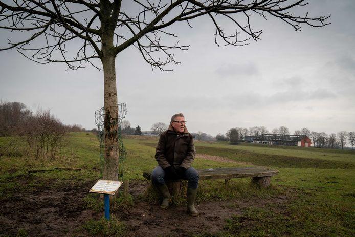 Theo Joosten op zijn favoriete plek in de polder