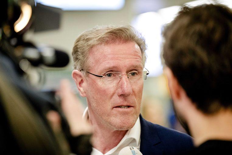Technisch directeur Hans van Breukelen zou er op 1 mei uit willen zijn. Beeld ANP