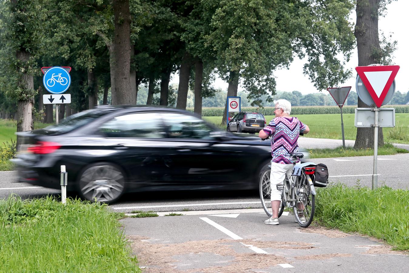 De kruising Nettelhorsterweg en de Broekstraat moet veiliger worden na een dodelijk ongeval met fietser.