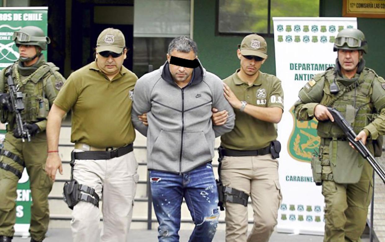'Rico de Chileen' wordt in oktober 2017 in Chili opgepakt in de garage van een hotel waar hij verbleef met zijn Colombiaanse vriendin. Beeld
