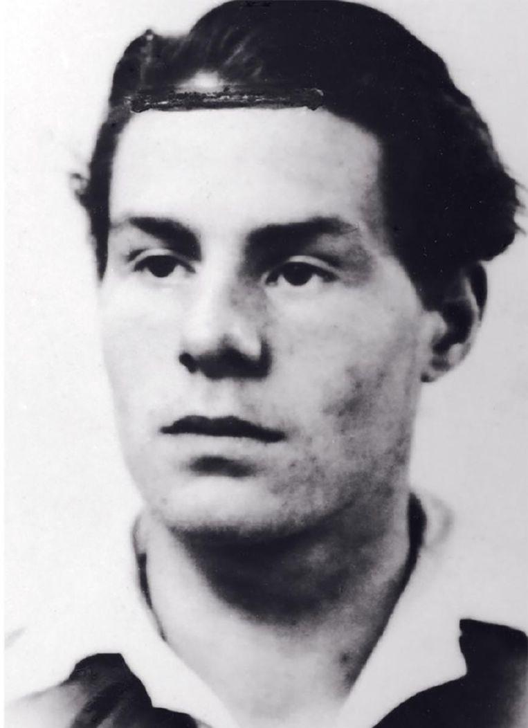 Lucebert in 1943, toen hij vrijwillig in Duitsland ging werken. Daar schreef hij zijn nu opgedoken brieven. Beeld