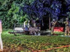 Blikseminslag veroorzaakt brand in schuurtje met trekker in Kootwijk