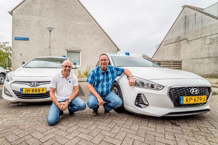 Leo Hilgerson en Henk Haak van verkeersschool Niels: ,,Onwenselijk.''