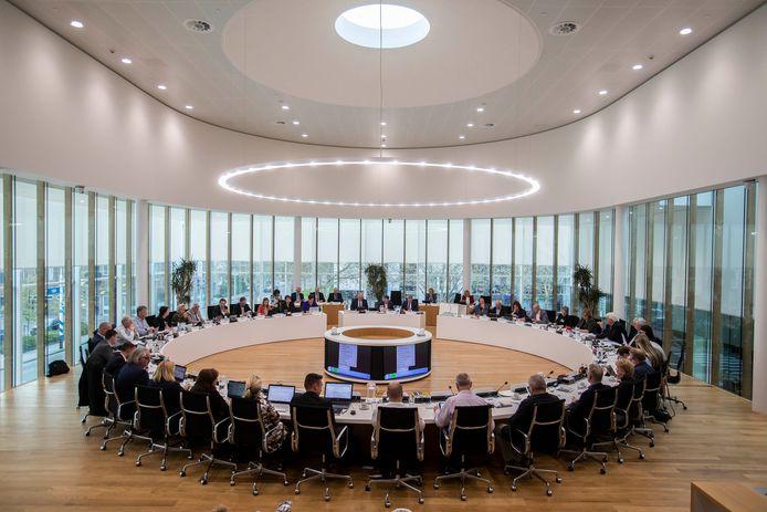 De Westlandse gemeenteraad in vergadering in de raadzaal van het gemeentehuis aan de Verdilaan in Naaldwijk.