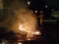 Brandweer twee keer opgeroepen voor brandend afval bij kraakpand in Hengelo