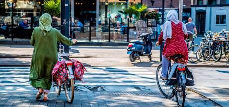 Succesvol inburgeren in Almelo: 'Eerst leren fietsen, dan pas de taal'