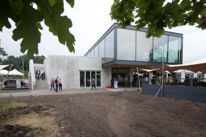 Het nieuwe bezoekerscentrum Grebbelinie in 2017, rond de opening van het complex.