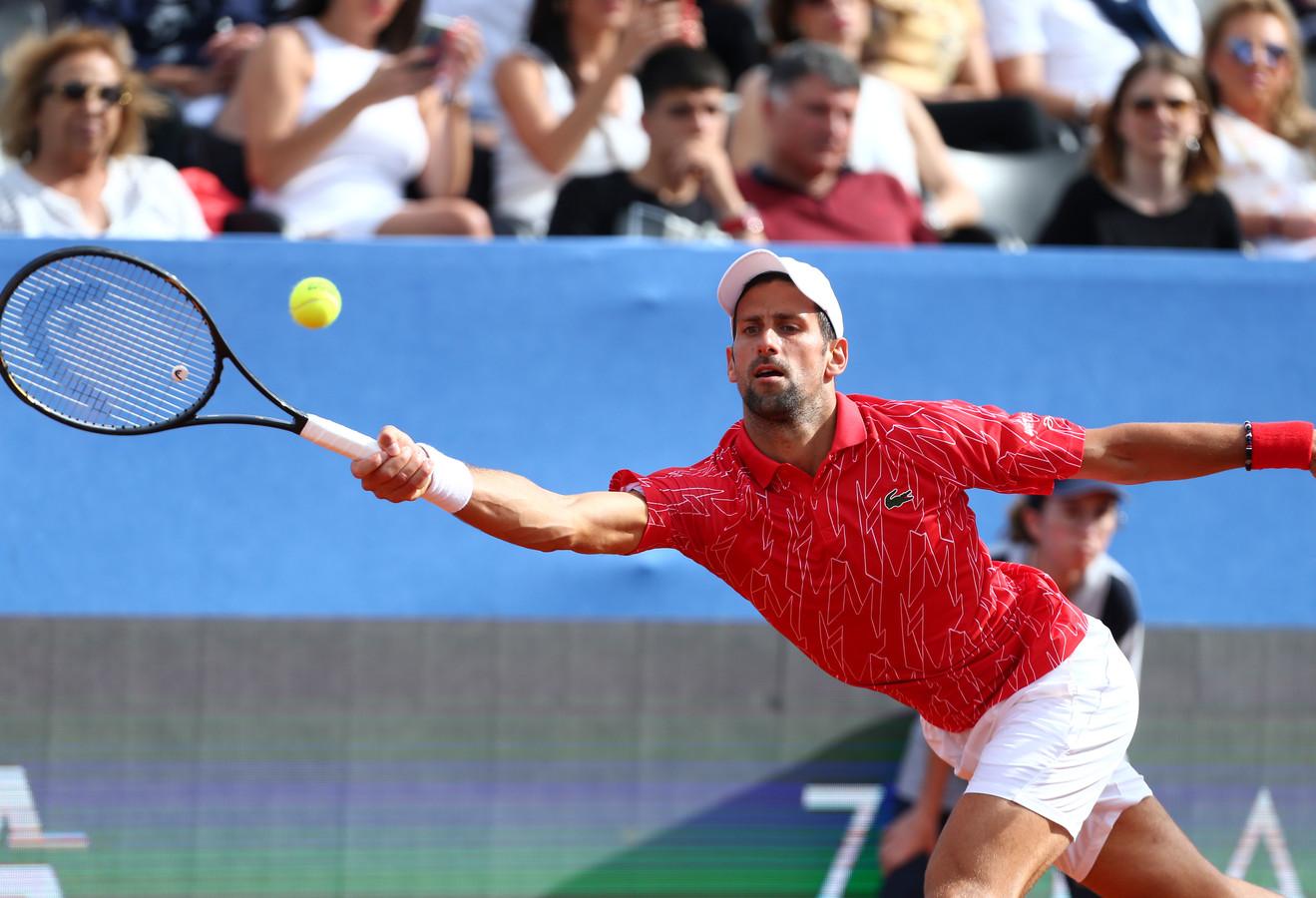 Novak Djokovic est le quatrième joueur testé positif, mais d'autres personnes, dont le coach de Grigor Dimitrov, un membre du staff et l'épouse du numéro 1 mondial ont également contracté le coronavirus.