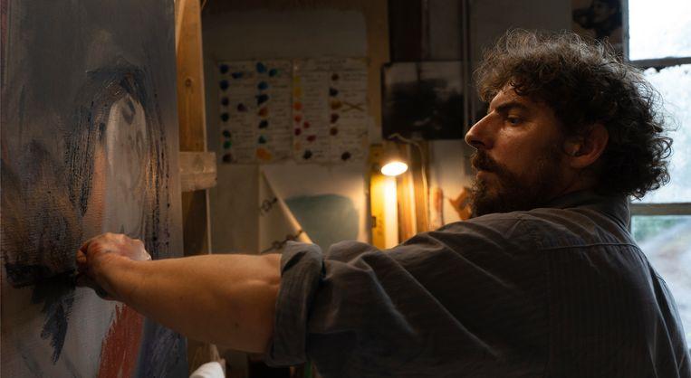 Kunstschilder Damien (Damien Bonnard) lijdt aan een bipolaire stoornis. Beeld rv