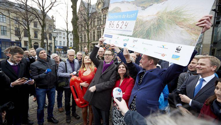 Meer dan 86.000 mensen ondertekenden de petitie 'Bescherm de kust!'. Beeld ANP