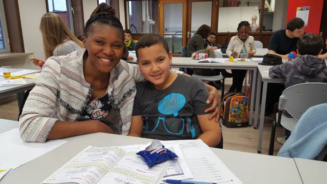 """Extra studiebegeleiding op vier Aalsterse scholen: """"Leerlingen helpen de taal- of leerachterstand als gevolg van coronacrisis wegwerken"""""""