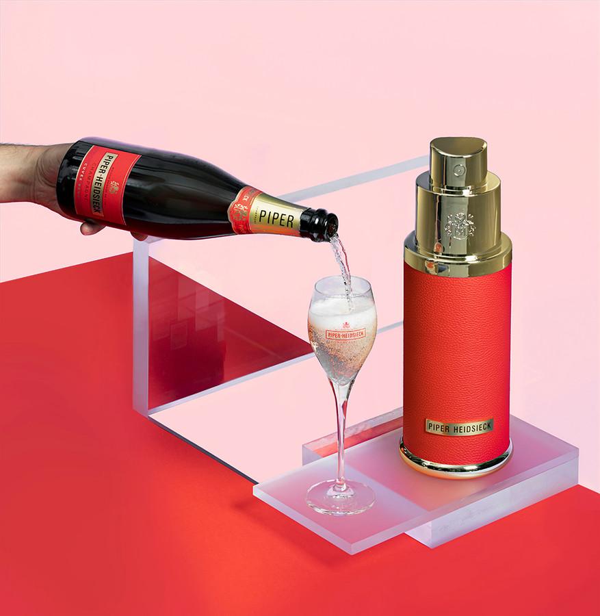 Pour les fêtes de fin d'année, Piper-Heidsieck propose un coffret réfrigérant original intitulé Le Parfum, qui révèle la bouteille emblématique de champagne de la Maison. Celui-ci peut être réutilisé ensuite pour refroidir d'autres bouteilles. Prix: 45 euros. En vente chez les cavistes.