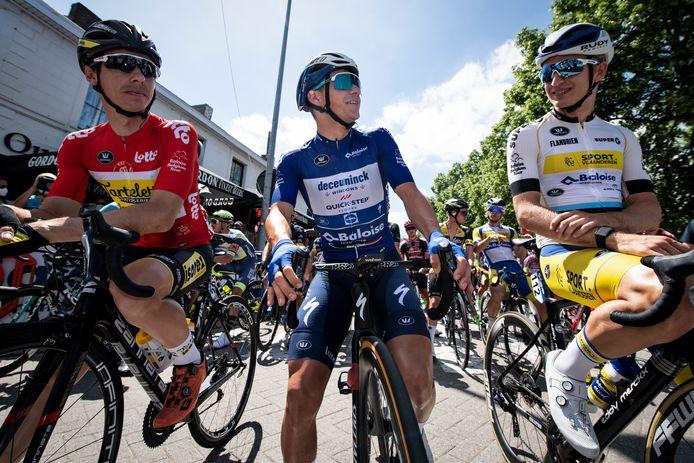 Rune Herregodts (r.) mocht na zijn knappe tijdrit in de Ronde van België starten naast leider Remco Evenepoel. Beiden komen elkaar woensdag opnieuw tegen.