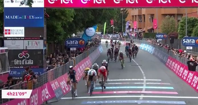 Tim Merlier offre à la Belgique sa première victoire sur le Giro 2021.