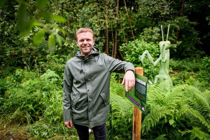 Tim Lammers van de expositie Big Insects in de tuin van Natura Docet Wonderrijck.
