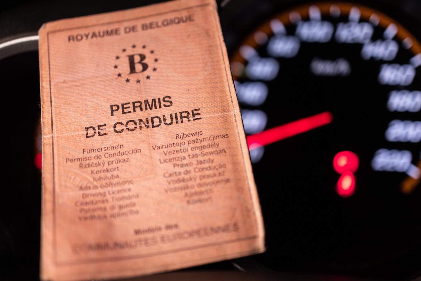 Zijn proeven voor zijn rijbewijs zal hij niet meer opnieuw afleggen, aldus een zestiger.