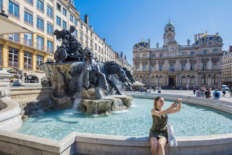 De prachtige Bartholdi-fontein op de Place des Terreaux. Beeld hemis.fr
