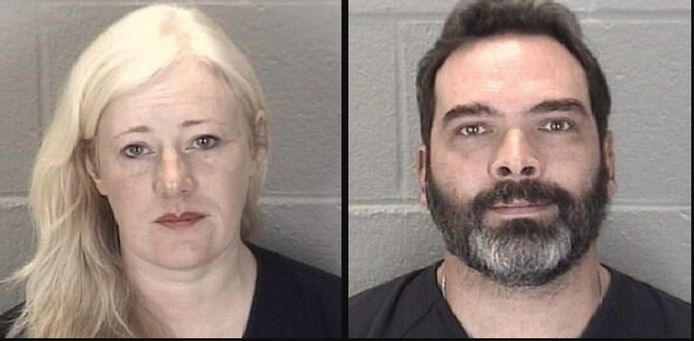 Kristine en Michael Barnett worden beschuldigd van kinderverwaarlozing.