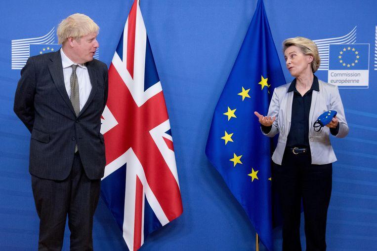 Boris Johnson en Ursula von der Leyen. Beeld Action Press/ANP