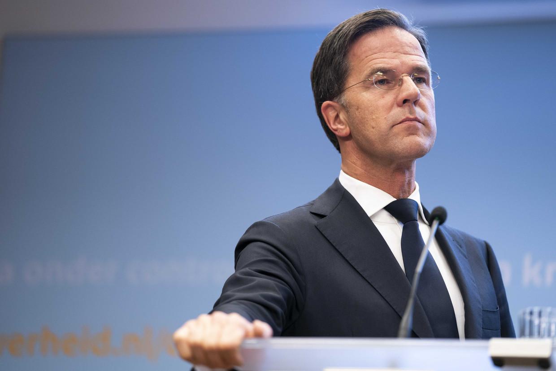 Premier Mark Rutte en minister Hugo de Jonge (Volksgezondheid, Welzijn en Sport) gaven dinsdag een toelichting op de coronamaatregelen in Nederland. Beeld ANP