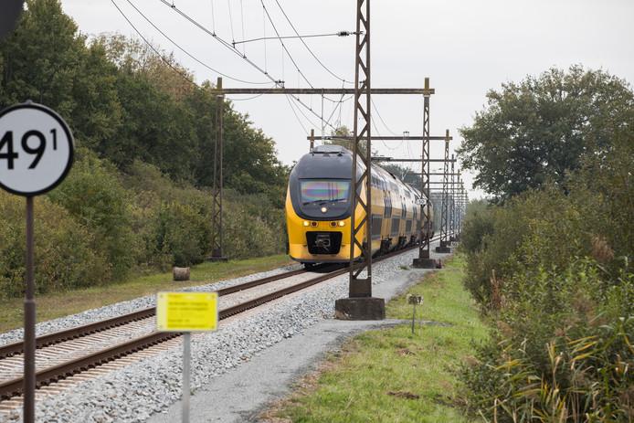 De IJssellijn tussen Zwolle en Deventer moet sneller worden door de inzet van sprinters.