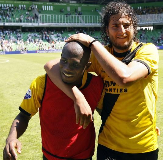 Nourin Boukhari (r), afgelopen seizoen speler bij NAC.