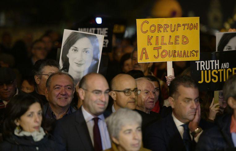 Vorige week kwamen demonstranten bijeen voor het kantoor van premier Muscat in Valletta. Beeld AFP
