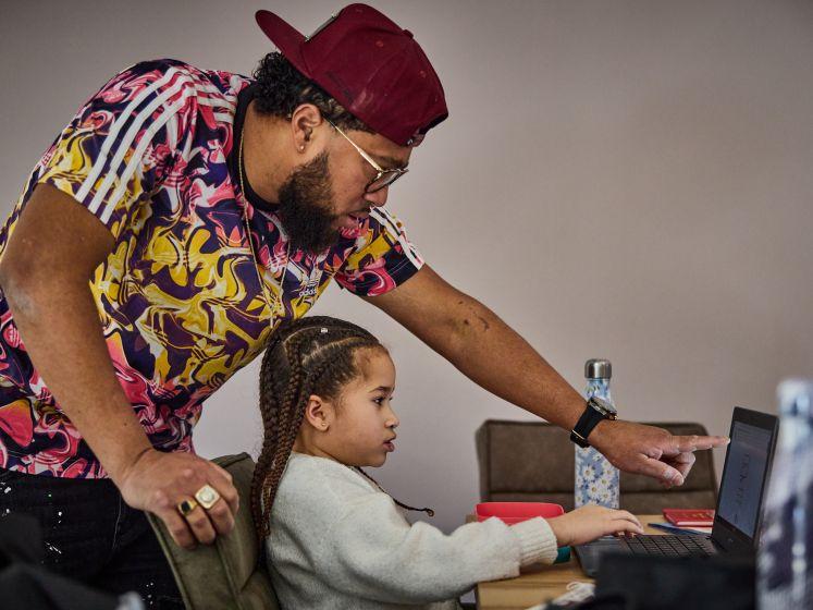 Tien tips van thuisleraar Papa Jay: 'Gaat niet, bestaat niet'