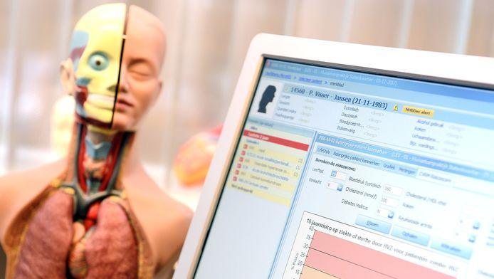 Een anatomische model en het elektronisch patientendossier in een huisartsenpraktijk