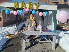 Groesbeek: corona-babyshower 'aan een stokje'