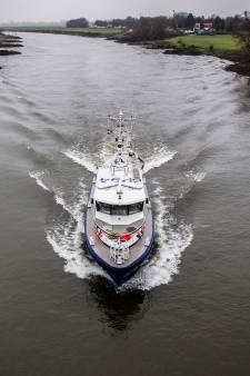 Duikers politie zoeken in IJssel naar vermiste Westervoortse (29), sporen gevonden
