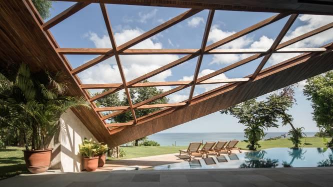 Vijfhoekig perceel, veelhoekig grondplan en driehoekig dak: dit huis is materiaal voor de meetkundeles