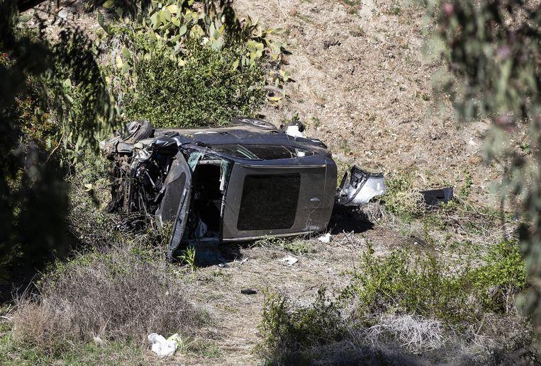 De auto waarin de Amerikaanse golfer Tiger Woods een auto-ongeluk kreeg in Rancho Palos Verdes, Californië, VS. Beeld EPA