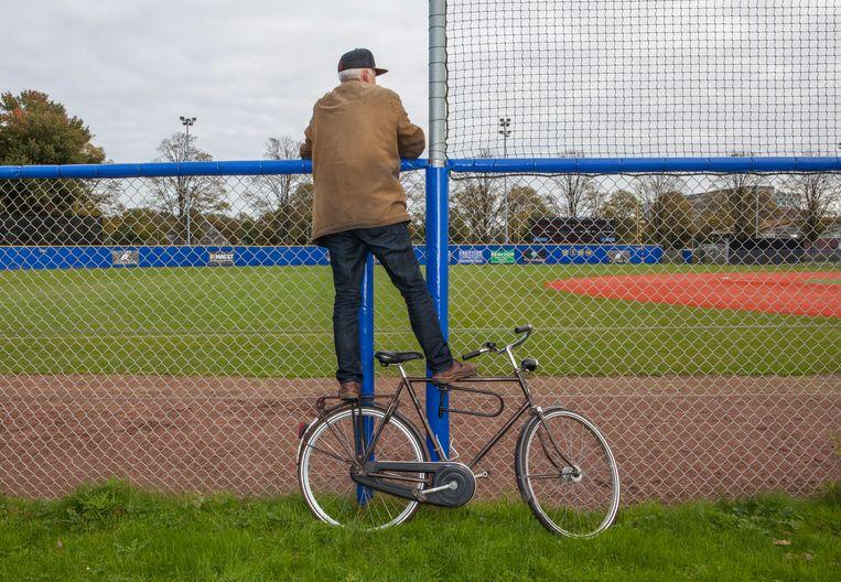 Lolke Rang bij het Loek Loevendie Ballpark. Beeld Julie Hrudova