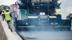 Vernieuwing bushalte en middenberm voor vlottere doorstroming aan verkeerslichten Rotem