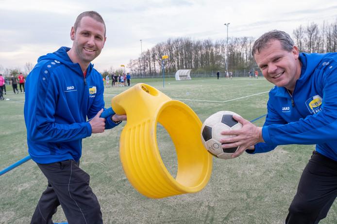 Trainers Jouri van den Broeke (links) en Robin Wisse gaan met Ondo voor de titel.
